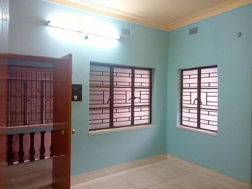 Semi furnished office space for rent at New Alipore