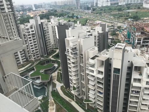 IREO Victory Valley Ready to movein 5BHK Duplex in 410 C
