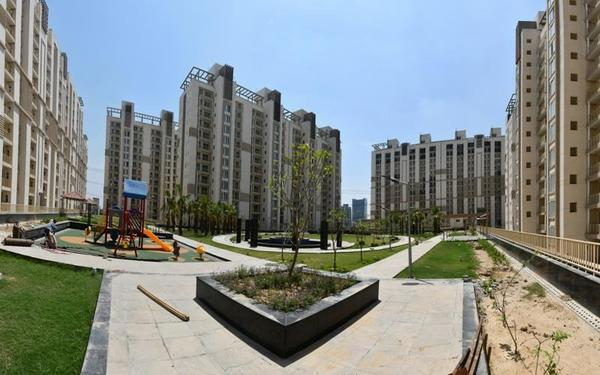 Emaar Gurgaon Greens Ready to movein 4BHKSQ