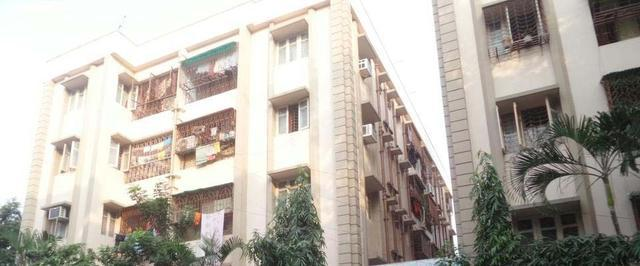 Residential Flat for Sale in Ruby More Near Science City