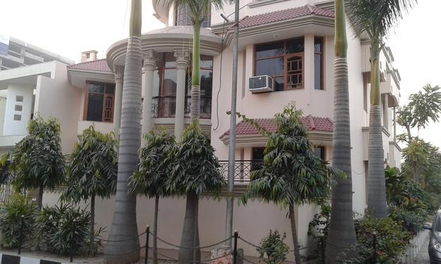 1bhk Near to Mother dairy in Sector 5 Gurgaon 9899540456