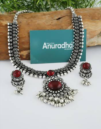 Choose Online Artificial Jewellery for Women at Best Price.