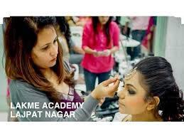 Best Beauty Parlor Courses in Delhi | Lakme Lajpat Nagar