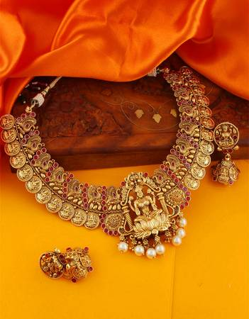 Creative Collection of Temple Jewellery for Women at Best