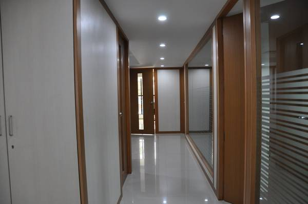 sq ft excellent plug and play office in stand alone