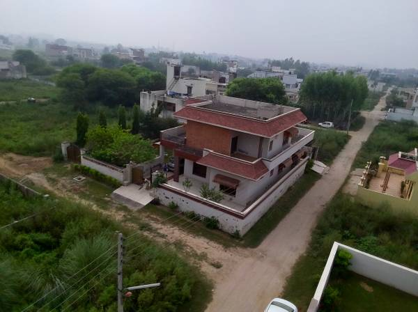 Quality built house in Defence Colony - Ambala Cantt