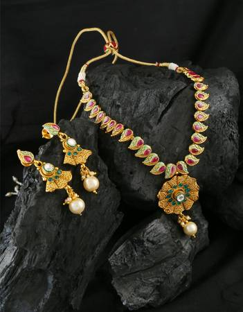 Buy Beautiful Collection of Necklace Design