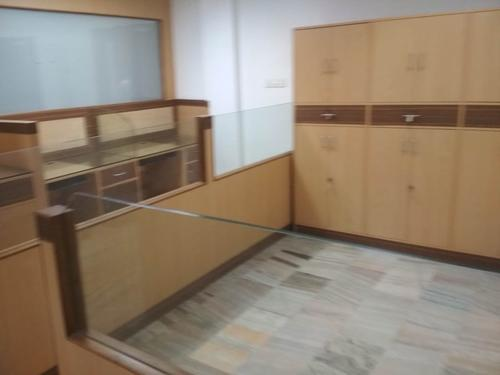 1100 SQFT OFFICE SPACE FOR RENT AT PANAMPILLY NAGARFULLY FUR