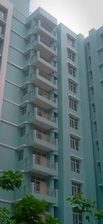 Ready to move 3BHK flat on IIM Road at Eldeco City Breeze