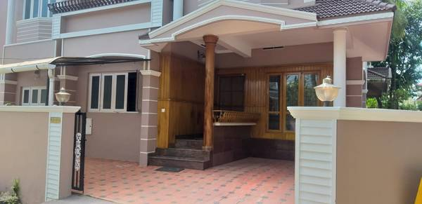 4 Bedroom Independent house for rent in Maradu, near Nucleus