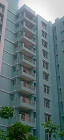 Eldeco City Breeze - 3BHK Ready to move flat on IIM Road