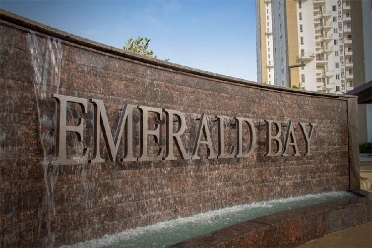 Puri Emerald Bay Ready to Move 2BHK Apartments in Gurgao