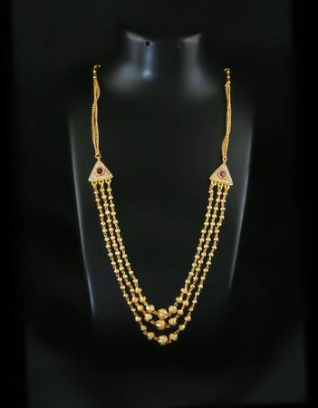 Buy Exclusive Collection of Short Mangalsutra Design in Gold