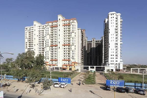 Ibiza Town: Ready to Move 4BHK Flat at Surajkund Road