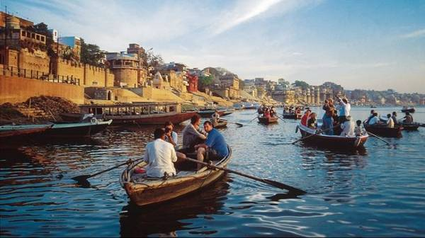 Immerse in the Sanctity of Ganga with our Varanasi Tour