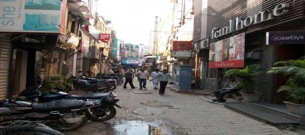 Commercial Space Rent Main Khan Market Delhi