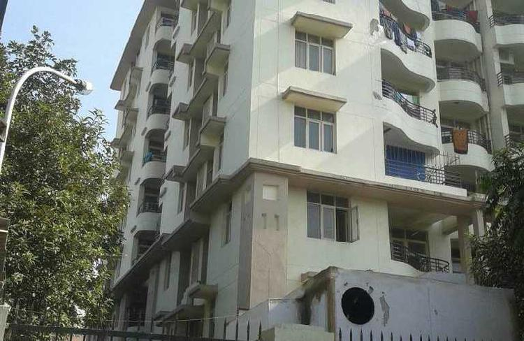 2bhk in Sector 17 Near to Iffco chowk Gurgaon 9899323880