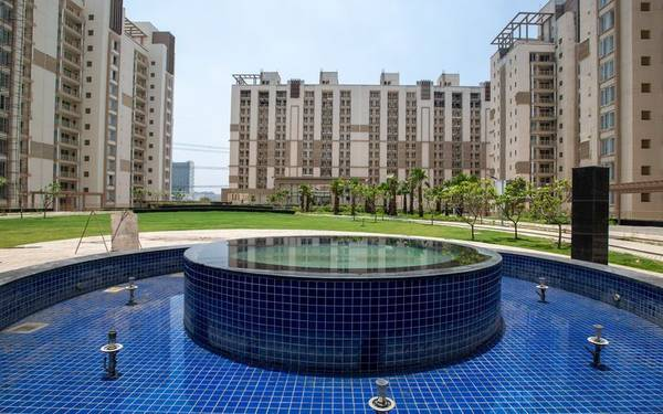 Gurgaon Greens: 3 BHK + Servant Ready to Move Apartments in