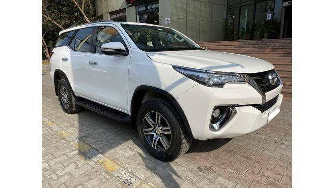 Toyota Fortuner 28 4x2 AT 2017