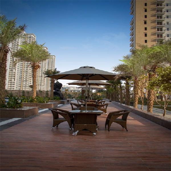 Puri Emerald Bay Ready to move2 3BHK bang on Dwarka Exp