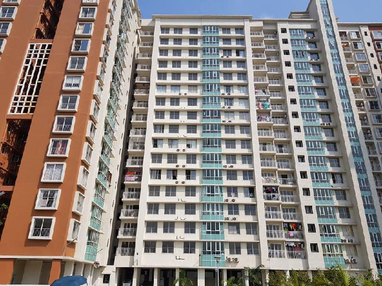 4 BHK flat in IDEAL GRAND Hawrah G T Road on sale