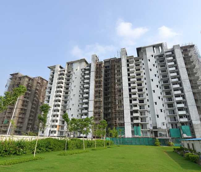 Imperial Gardens by EMAAR Ready to Move 3BHK Homes