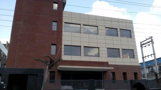 32000 sqFt building factory rent in sector 81 noida