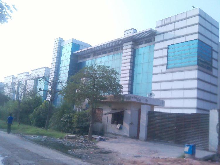 1800sqmtr industrial Factory Sale Sector 57 Noida 9911599901