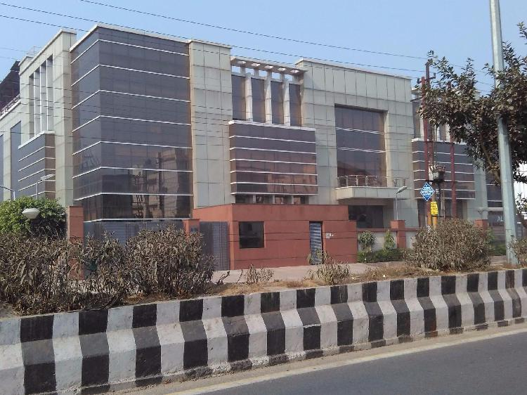 Factory building size 33000 sq ft for rent in greater Noida