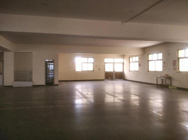 1800 Sqmtr Factory For Sale in Sector 57 Noida 9911599901