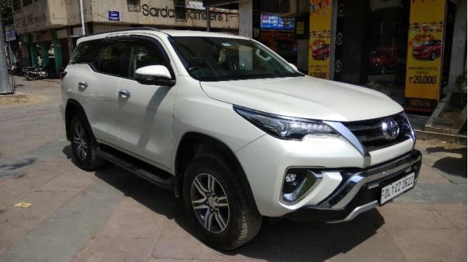 Toyota Fortuner 28 4x2 AT 2018 White Color