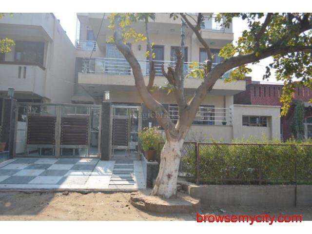 2bhk floor near by Mg road Gurgaon 9899323880