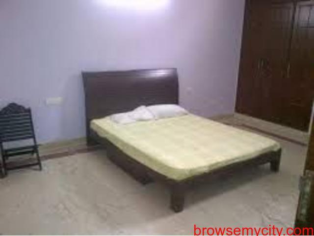 Rooms in Sukhrali near IFFCO chowk Gurgaon 9899323880