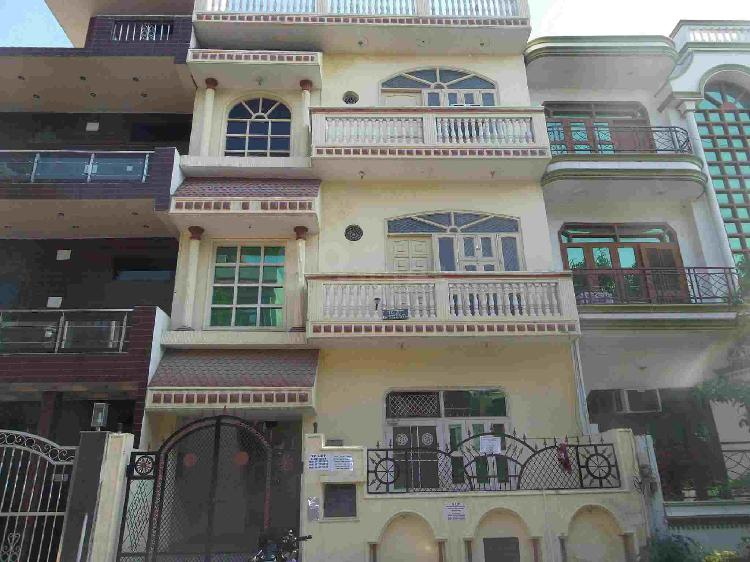 RS.13,000 PM FULLY FURNISHED WITH A/C FRIDGE DOUBLE BED