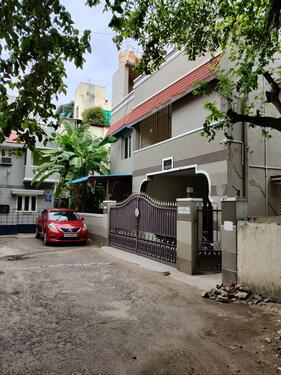 Independent House For Rent In Anna Nagar East with Car Park