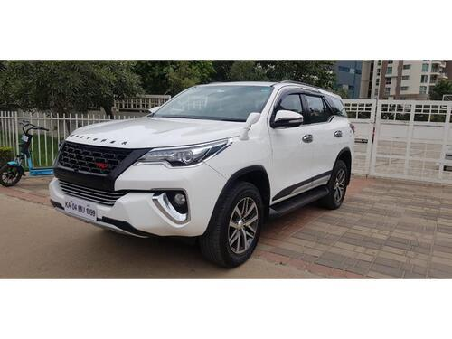 White 2017 Toyota Fortuner 28 4x4 AT 59288 kms driven