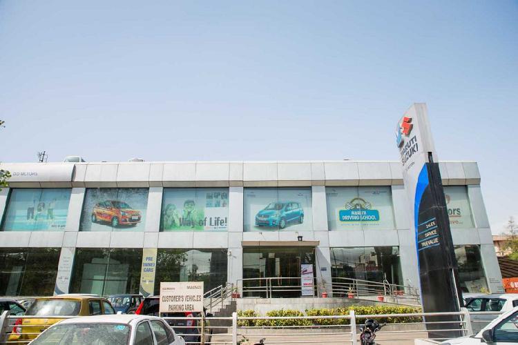 DD Motors in Peeragarhi - An Authorized Car Dealers in New